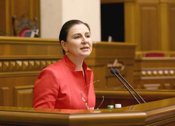 Три политика, в разное время  поддерживающих Януковича, не верят в искренность президента